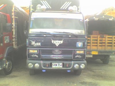 camion ford 815 estacas 4 5 t_Bogota